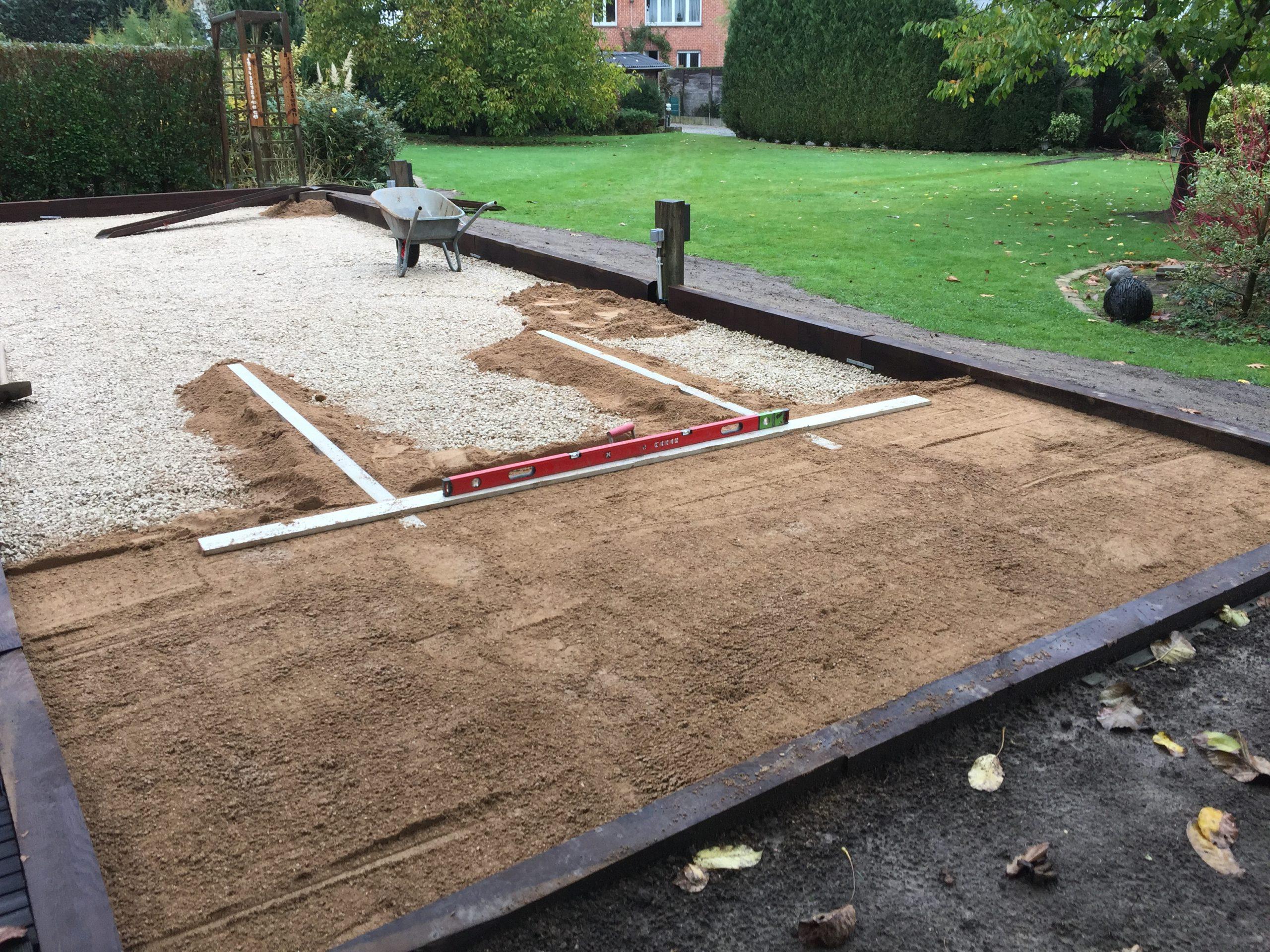 Création D'un Terrain De Pétanque | Jardinier Elagage Bruxelles dedans Dolomie Jardin