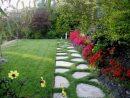 Création D'une Allée De Jardin Avec Gazon En Plaques Par ... concernant Création Allée De Jardin