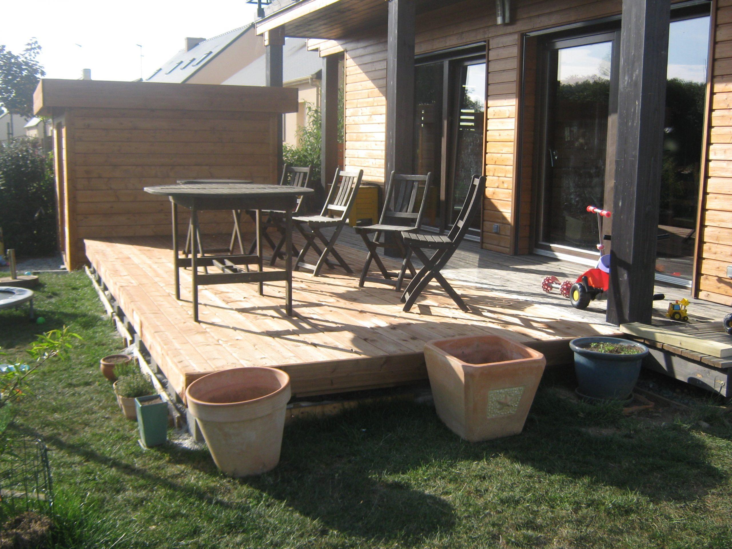 Cuisine: Terrasse Suite Et Fin Notre Maison En Bois, Lovely ... pour Modele De Jardin Avec Galets