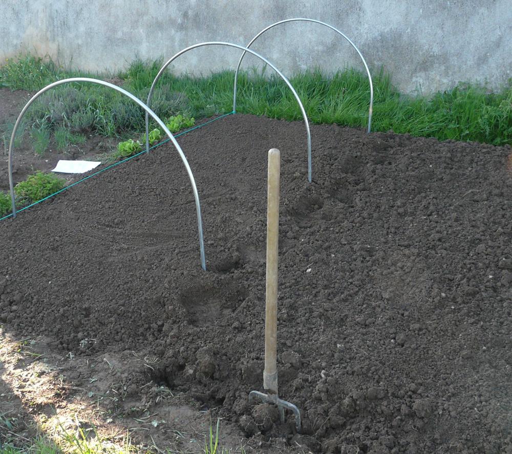 Cultiver Sous Serre Ou Tunnel De Jardin pour Comment Faire Un Tunnel De Jardin