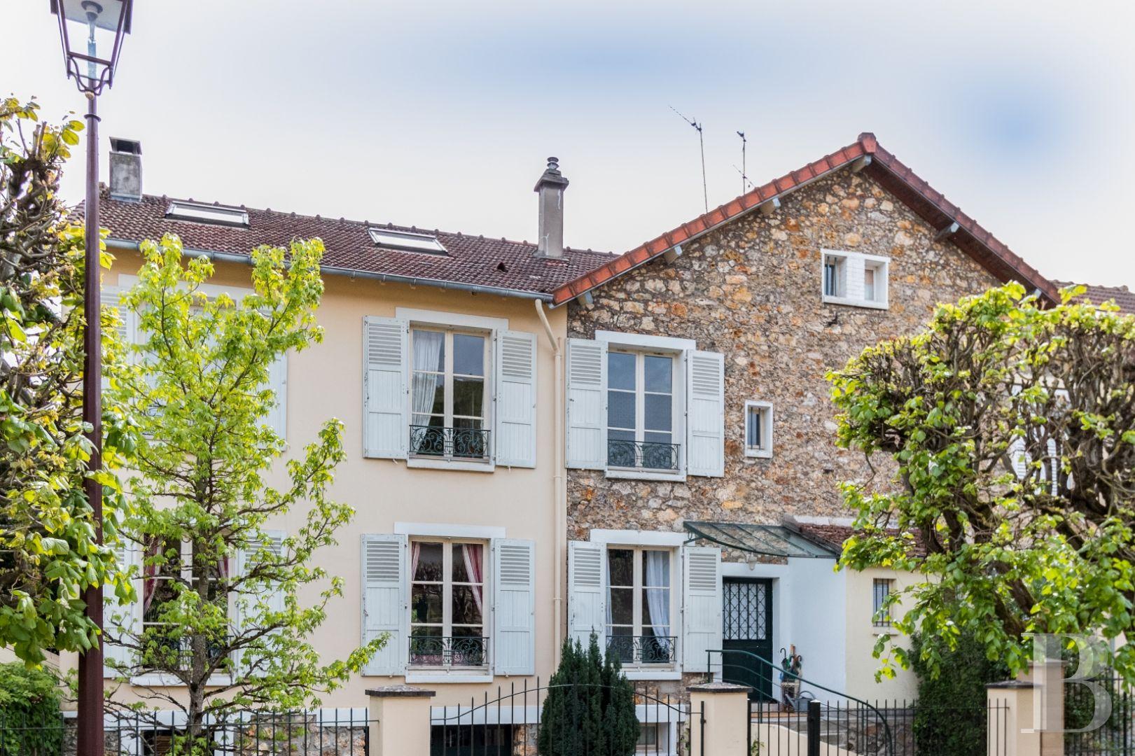 Dans Le Très Privé Parc Chauchard, À Versailles, Une Maison Familiale De  350M2 encequiconcerne Maison A Vendre Draveil Paris Jardin