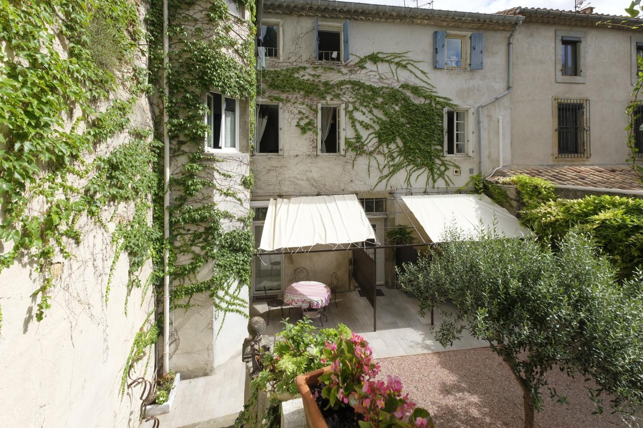 Dans Un Jardin En Ville, Carcassonne, France - Booking pour Divan De Jardin