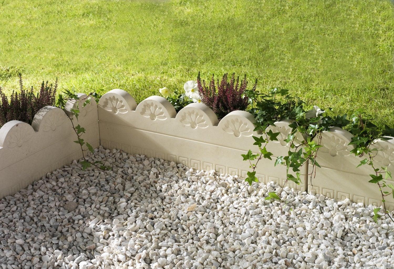 De Belles Bordures Très Déco | Leroy Merlin concernant Bordure De Jardin Beton Leroy Merlin