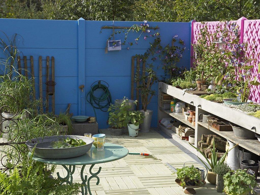 Déco Extérieure : Osez Le Mur Jardin Peint En Couleur - Joli ... encequiconcerne Decoration Pour Mur Exterieur De Jardin