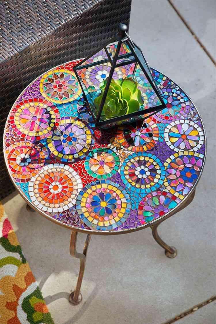 Déco Jardin Avec Mosaïque En 28 Beaux Exemples | Table De ... dedans Salon De Jardin Mosaique