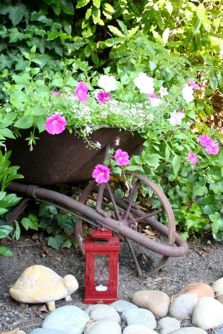 Déco Jardin Diy: Idées Originales Et Faciles Avec Objet De ... destiné Objets Decoration Jardin Exterieur
