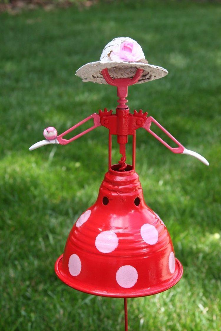 Déco Jardin Diy: Idées Originales Et Faciles Avec Objet De ... pour Objets Decoration Jardin Exterieur