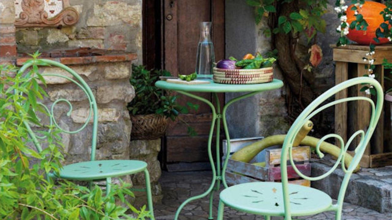 Décoration De Jardin : Chaises De Jardin Et Table En Fer ... avec Decoration De Jardin En Fer Forgé