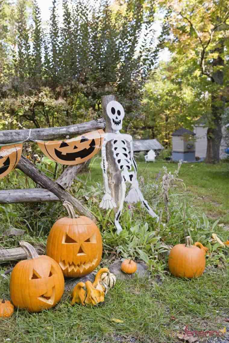 Décoration Halloween Maison En Plus De 50 Idées Simples tout Deco Jardin Halloween