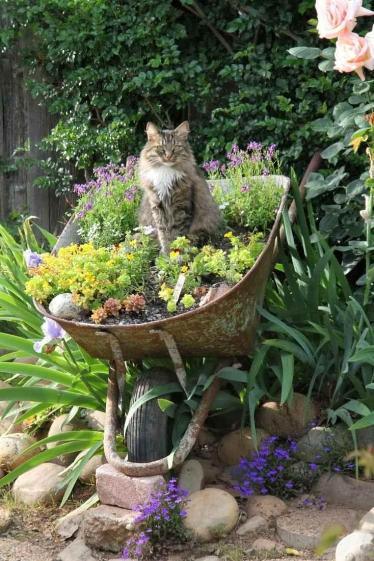 Décoration Jardin En Objets De Récupération En 31 Idées ... serapportantà Astuce Deco Jardin Recup