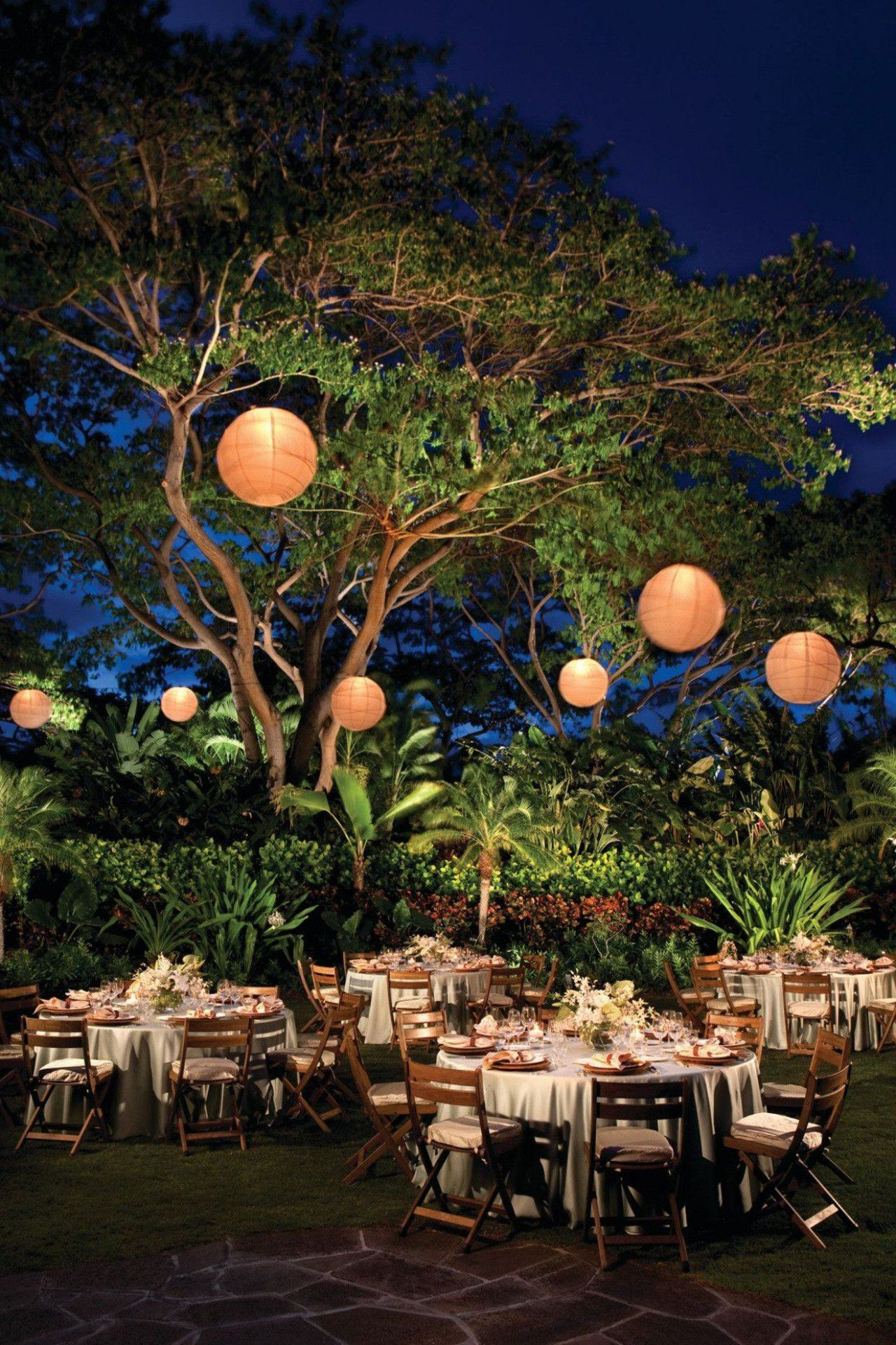 Décoration Lumineuse Mariage : Organisez Votre Jour J Sous ... pour Sphere Lumineuse Jardin