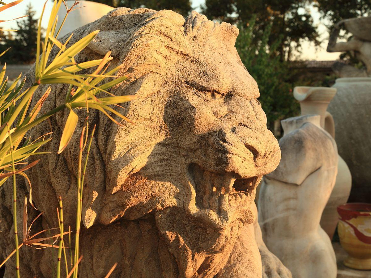 Decorative Stone Sculpture For The Outdoor. A Ram's Head. avec Lion En Pierre Pour Jardin