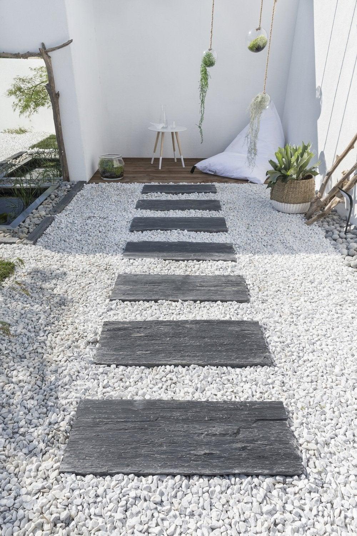Des Allées Inspirées Pour Votre Jardin | Leroy Merlin pour Decoration Minerale Jardin