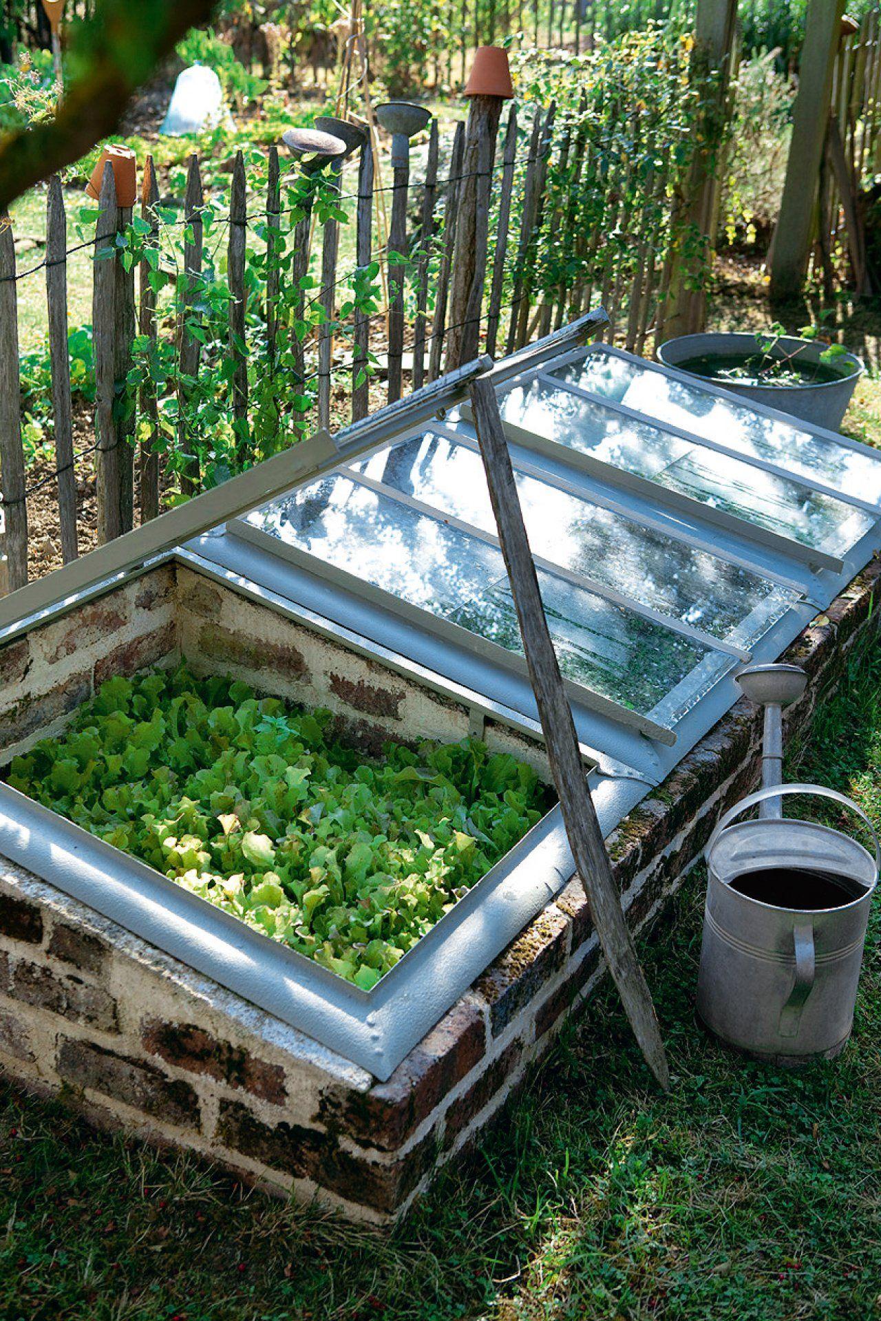 Des Serres De Jardin En Matériaux De Récup' | Diy Garden ... pour Recup Pour Le Jardin