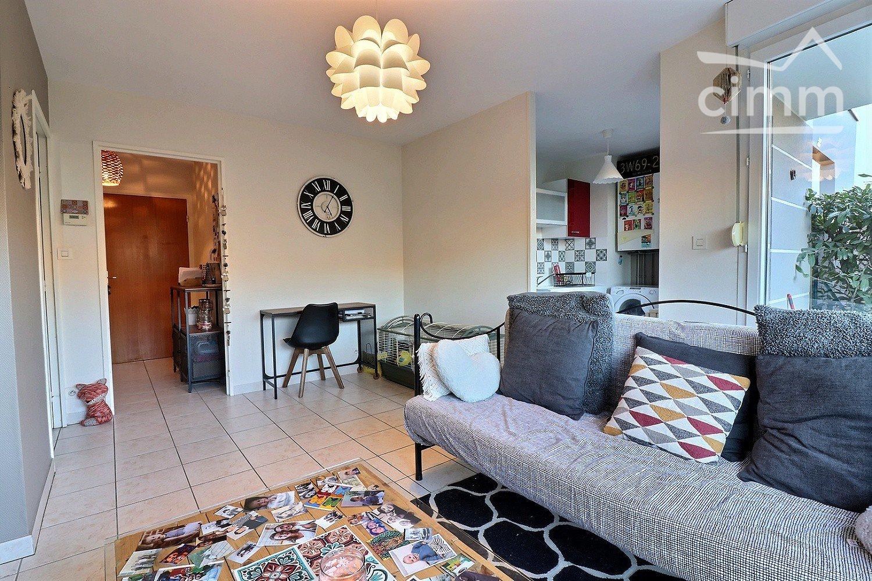 Dijon, Quartier Toison D'or : T2 En Rez-De-Jardin Vendu Loué ... tout Appartement Rez De Jardin Dijon
