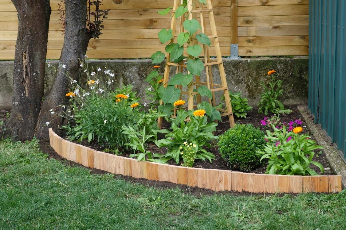 Diy Une Bordure Souple - Le Blog De Béa avec Bordure Jardin Pas Cher