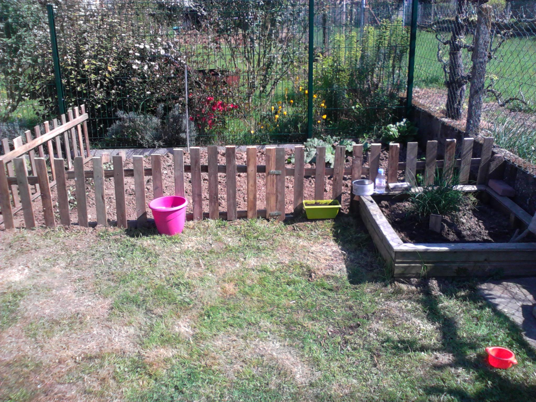 ☆ Un Petit Potager Au Fond Du Jardin♥ - Un Peu De Tout .... serapportantà Petite Barriere Jardin
