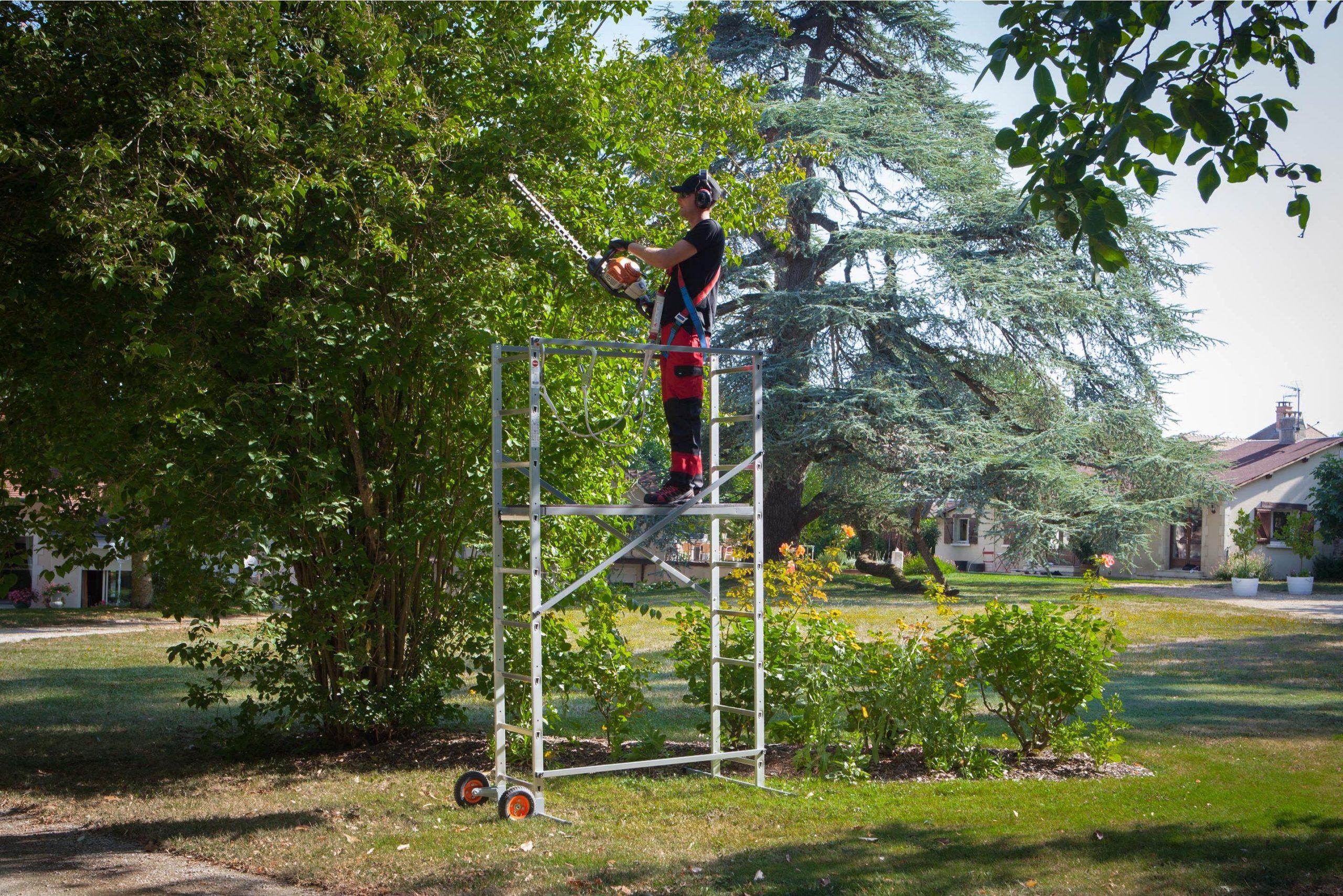 Echafaudage Aluminium Jardin Avec Roue Hailo Hauteur De ... tout Echafaudage De Jardin