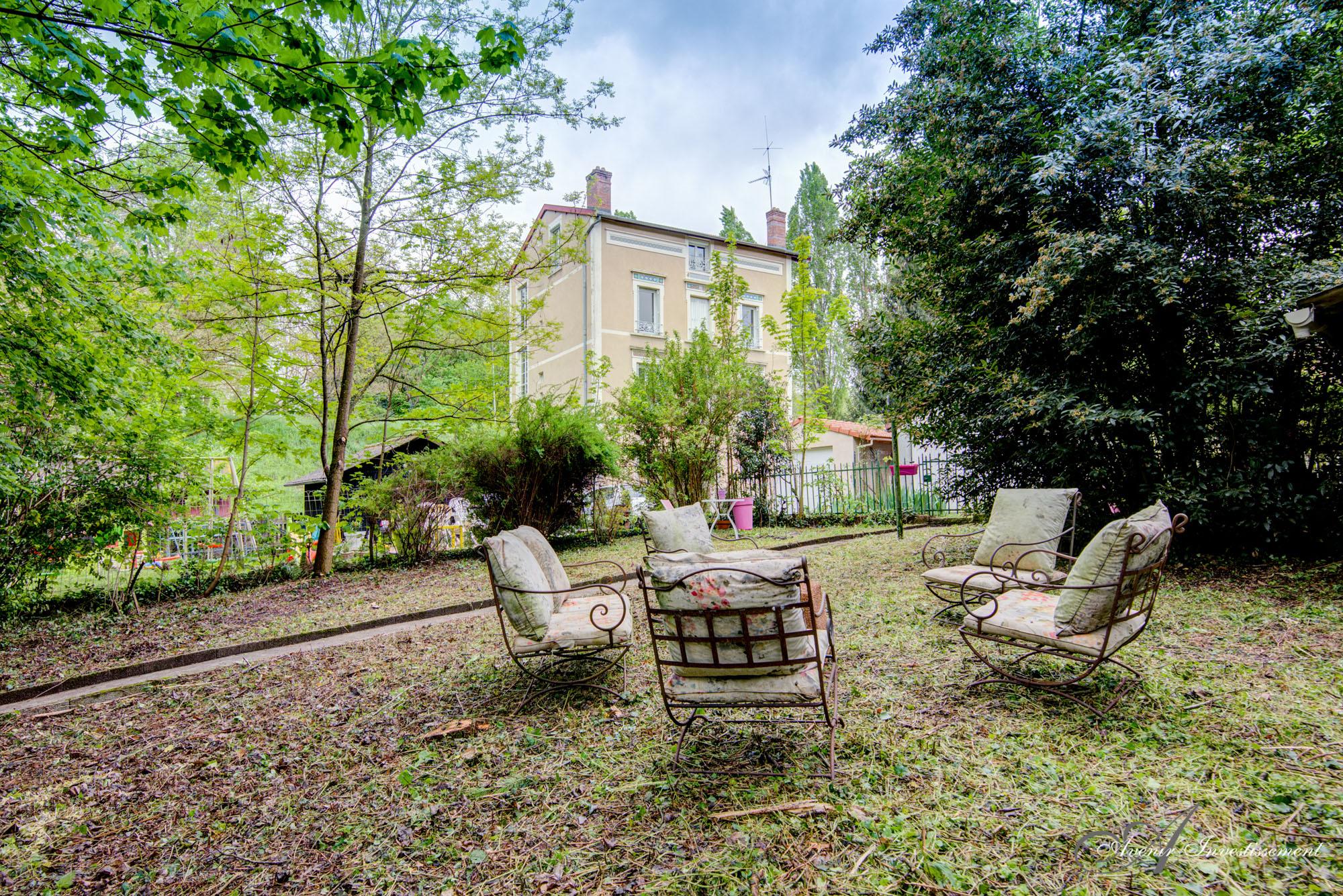 Ecully - Appartement T3 - 60 M2 - Jardinet 200 M2 Avec Abri Jardin 30 M2 concernant Abri De Jardin 30M2