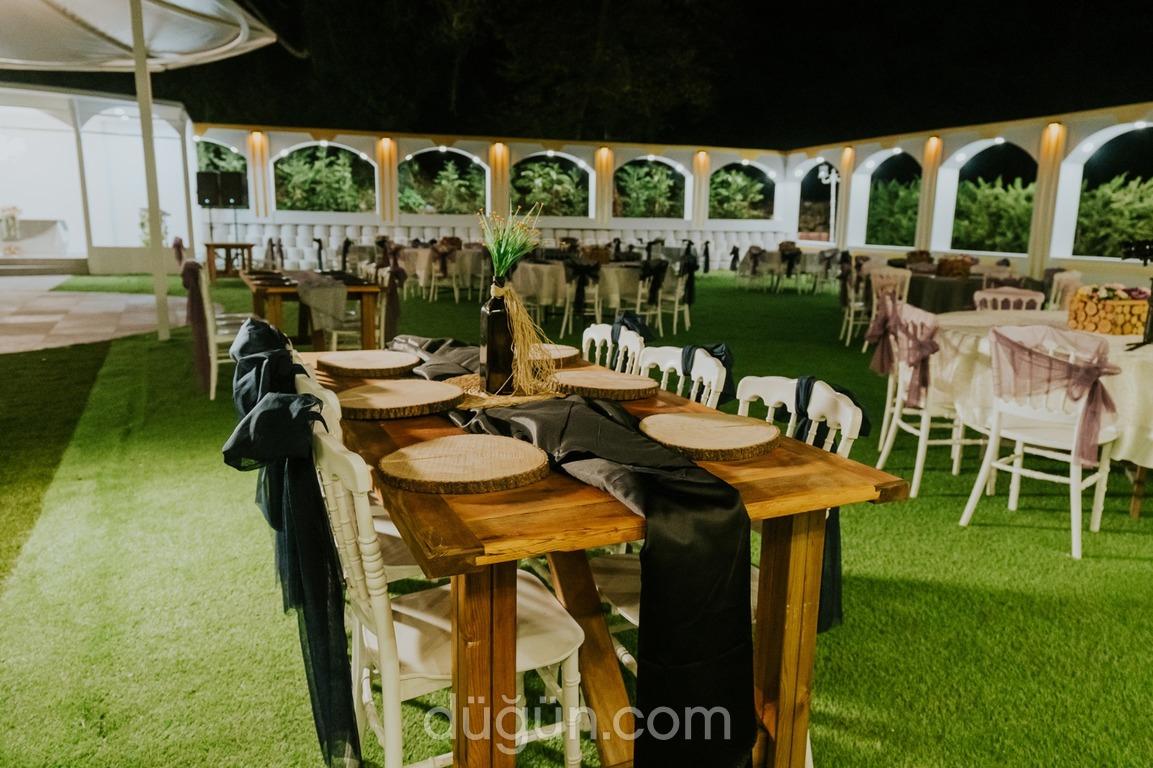 Enorme Jardin Kale Bahçe - Kır Düğünü İstanbul à Salon De Jardin Tek
