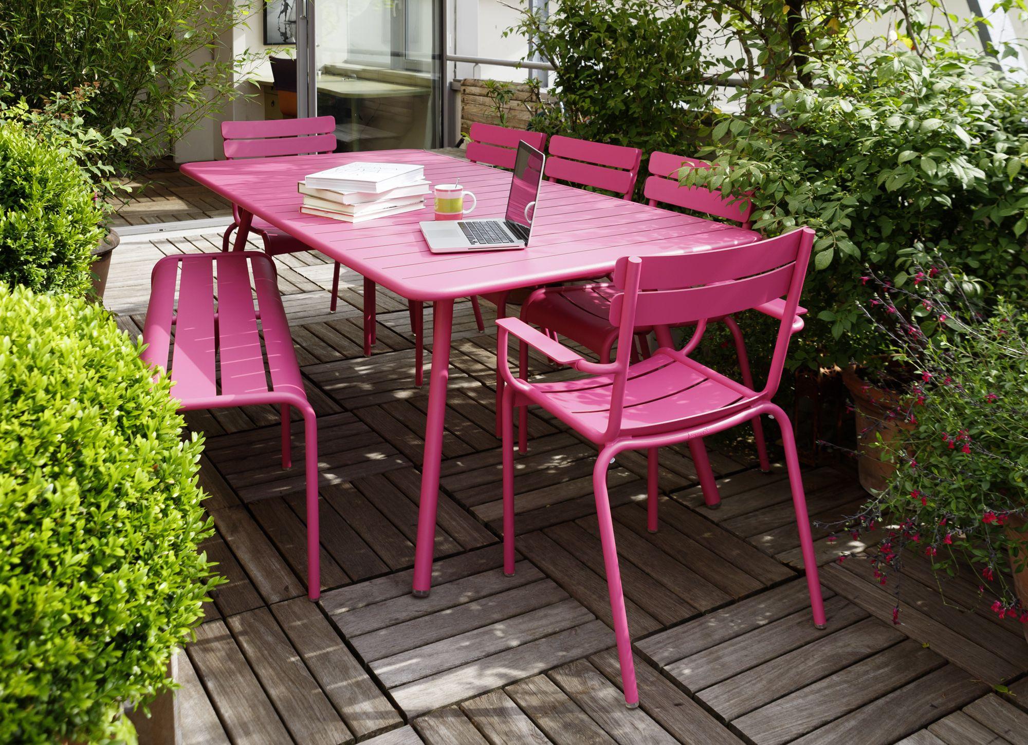 Ensemble De Jardin Luxembourg Rose Fuchsia - Fermob ... encequiconcerne Table Jardin Rose
