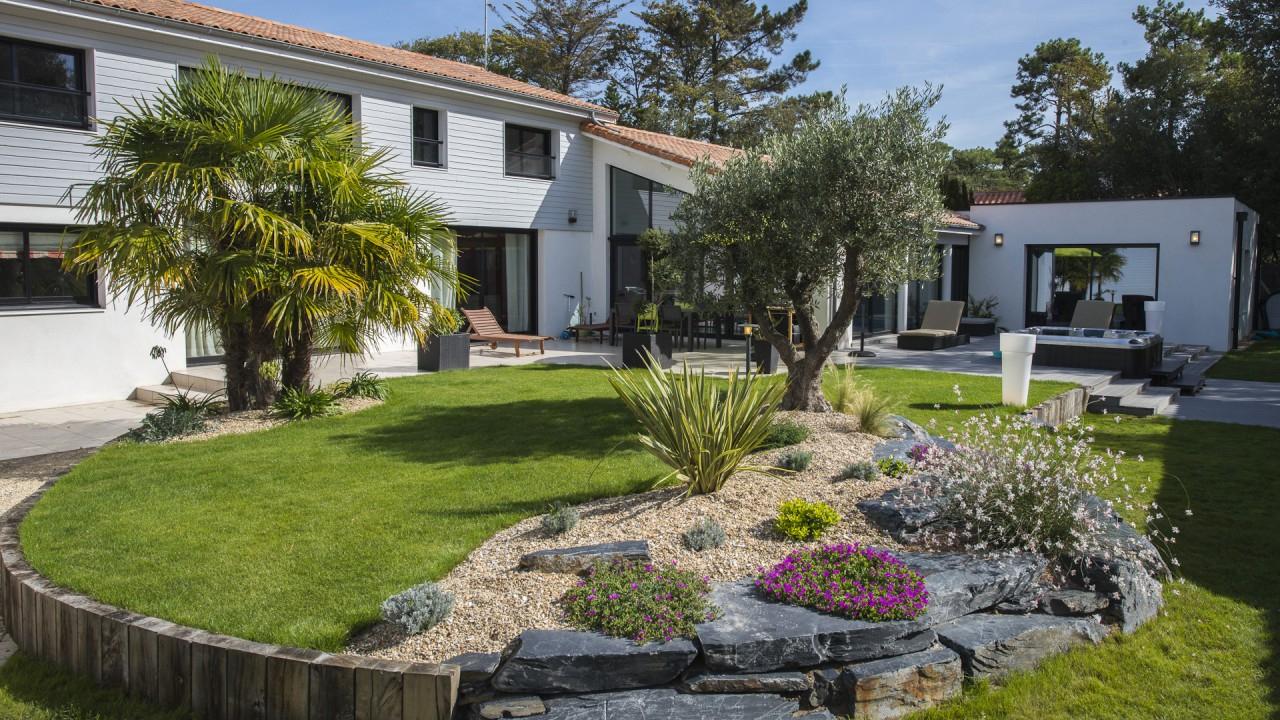 Entretien De Jardin - I Love Garden - Le Blog D'i Love Garden tout Amenagement Jardin Exterieur Mediterraneen