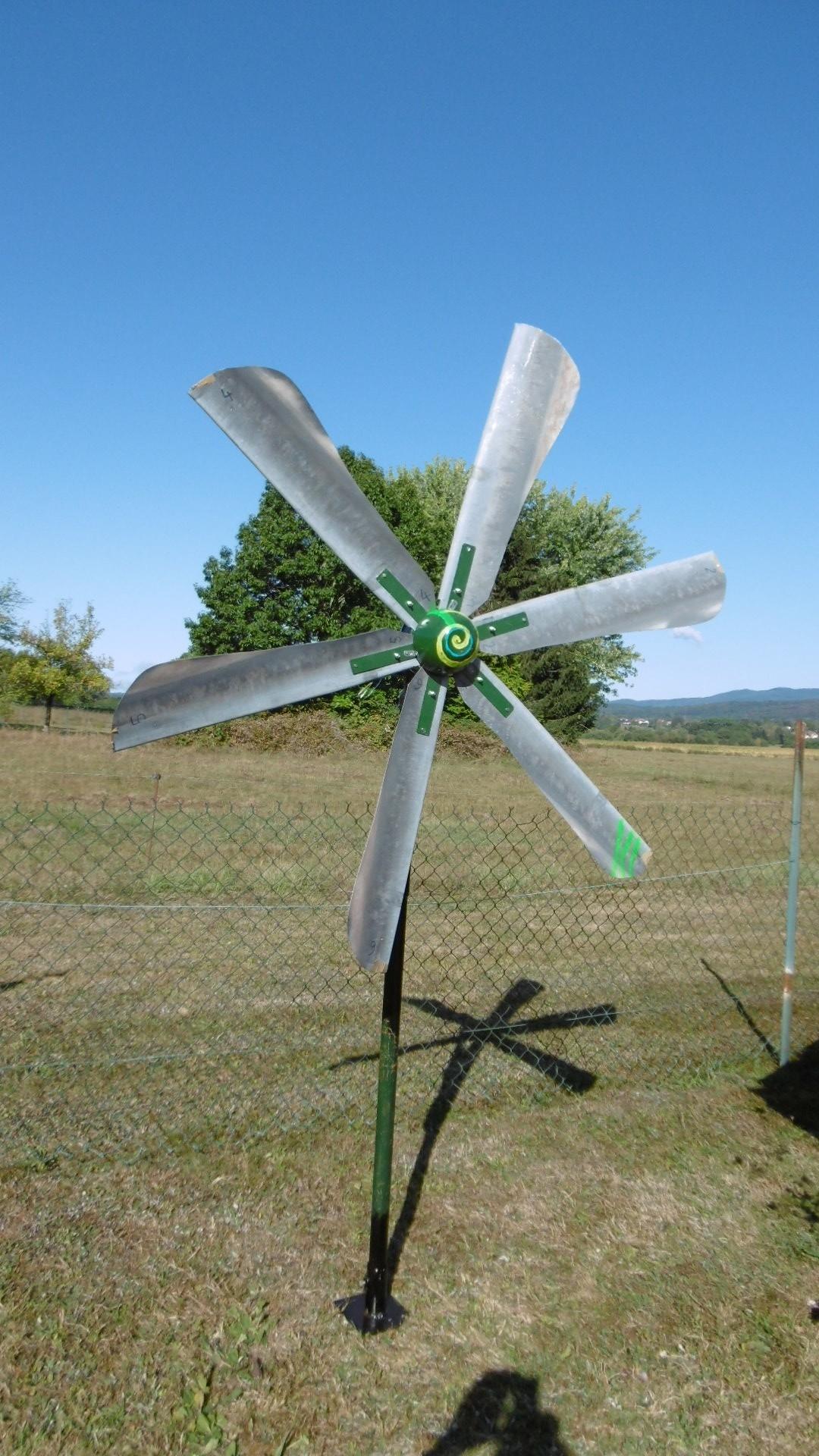 Éolienne 6 Pales Avec Moteur Hoverboard - Bricolsec serapportantà Construire Une Eolienne De Jardin
