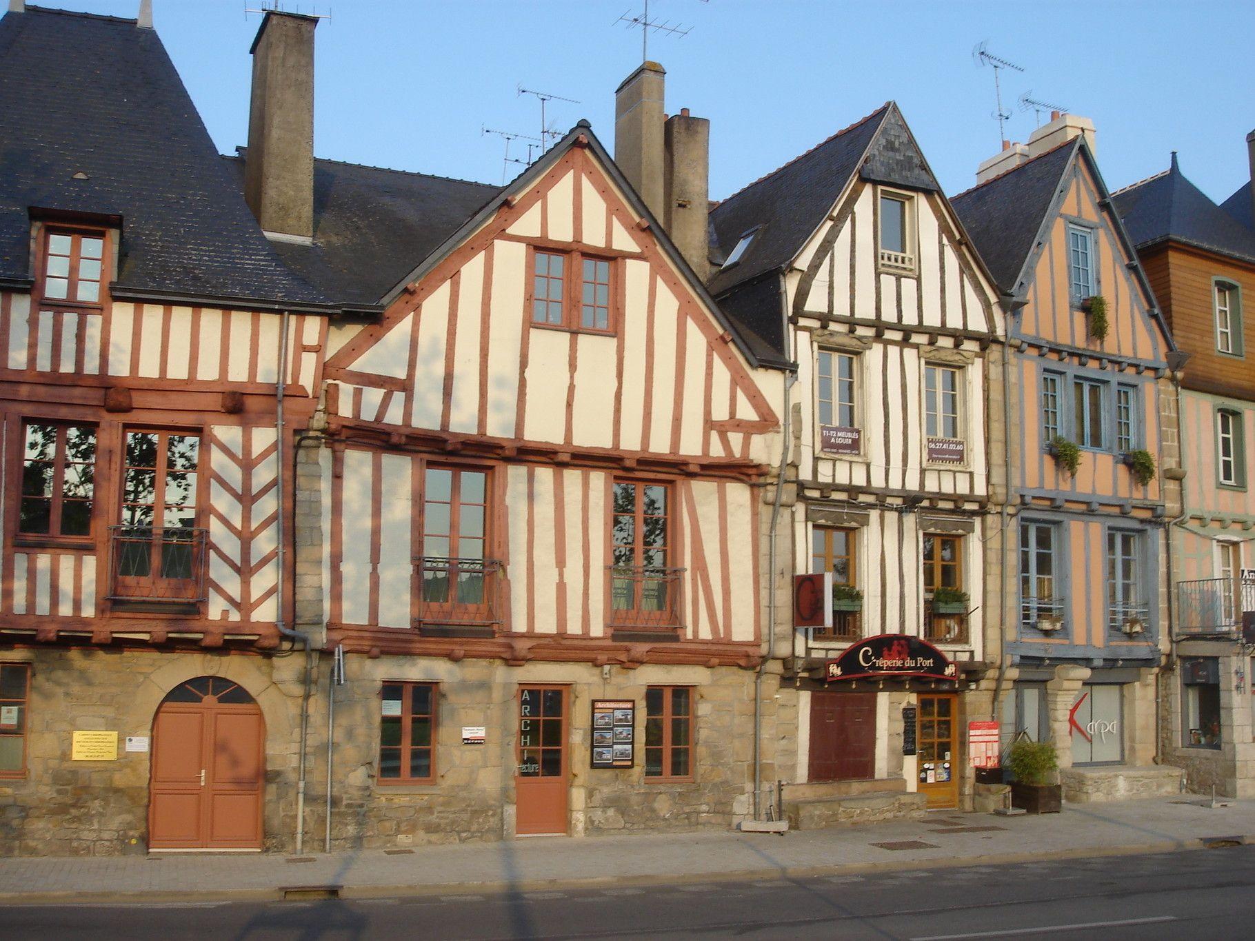 Épinglé Par Big Sister Sur Medieval City | Colombage, Vannes ... encequiconcerne Abri De Jardin Vannes