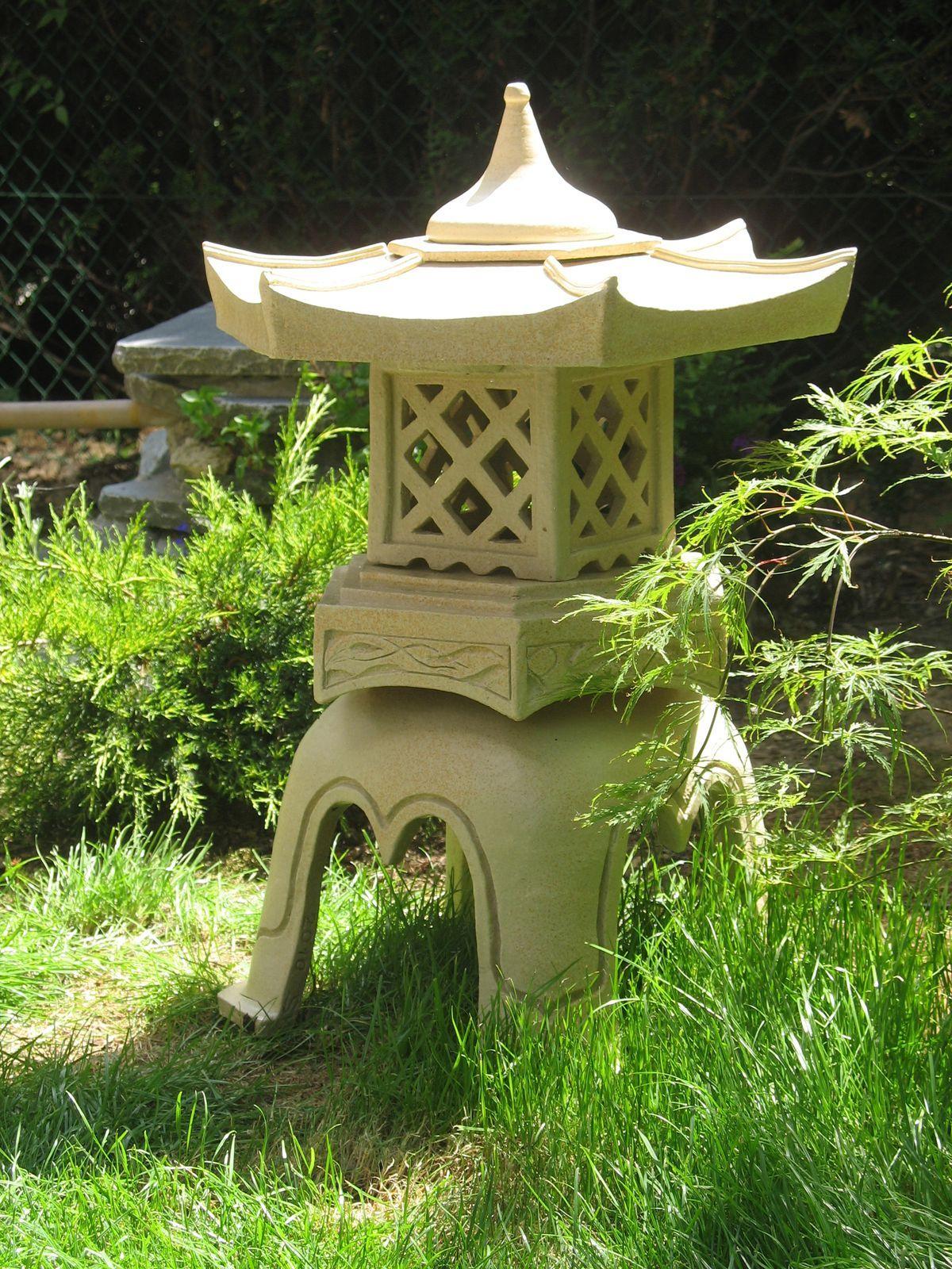 Épinglé Par Cindy Vannerom Sur Bac À Fleur   Lanterne ... tout Lanterne Japonaise Jardin