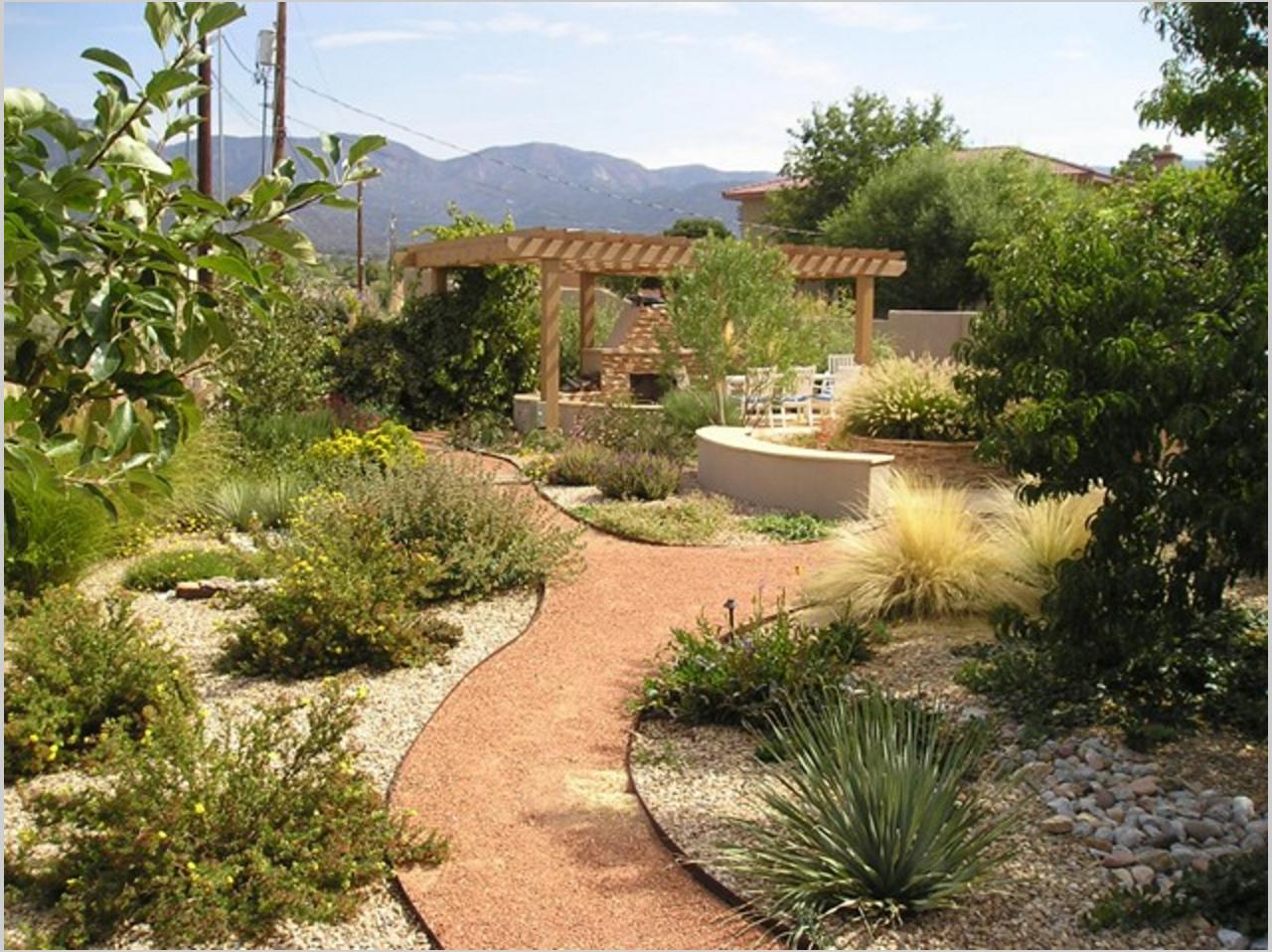 Épinglé Par Fleuri Alb Sur Jardim Rupestre | Idées Jardin ... destiné Exemple D Aménagement De Jardin