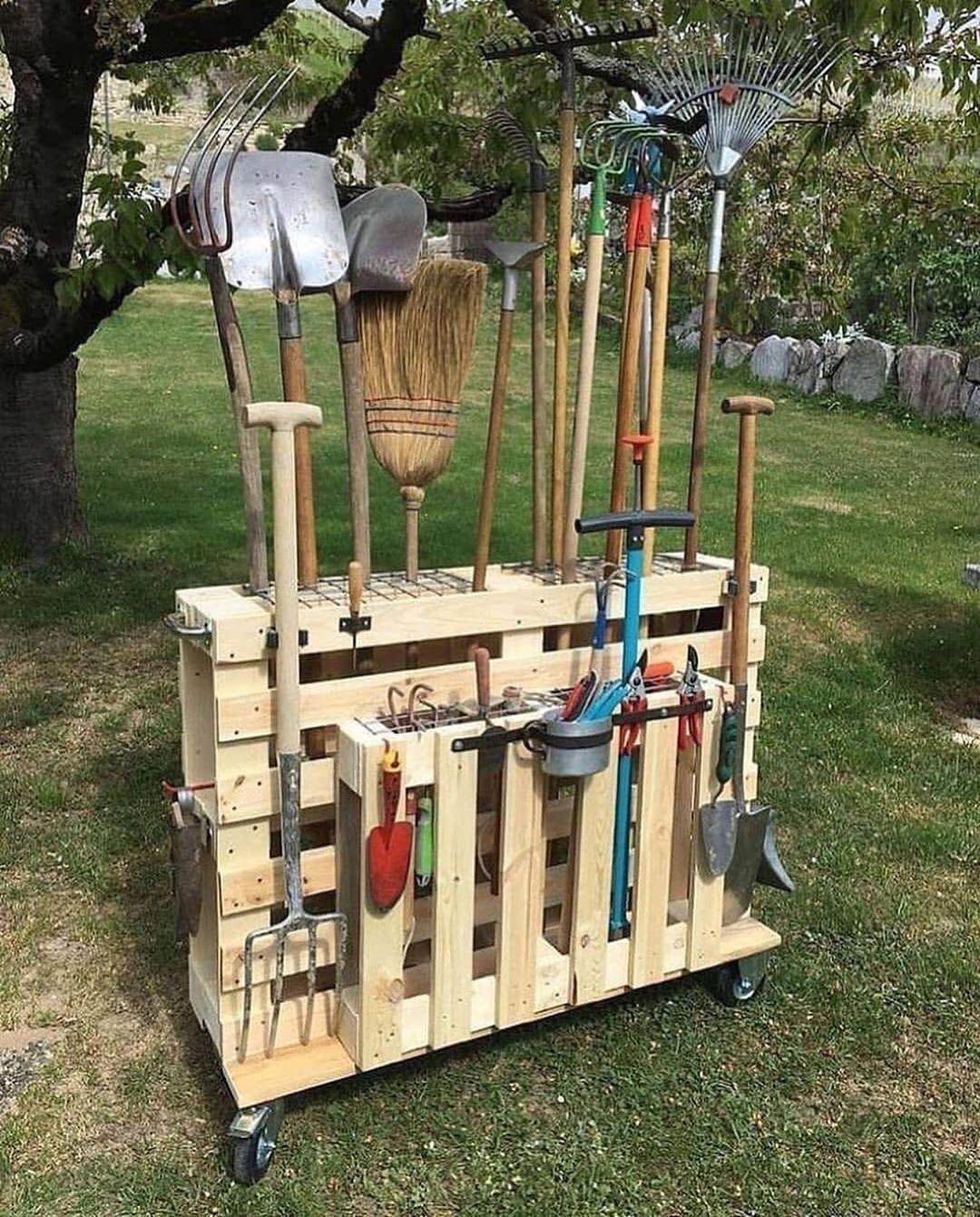 Épinglé Par Laturelle Sur Jardin En 2020   Outils Jardinage ... pour Porte Outils De Jardin