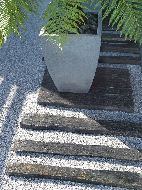 Épinglé Par M H M Sur Garden - Allées De Jardin | Bordure ... tout Bordure De Jardin En Ciment Leroy Merlin