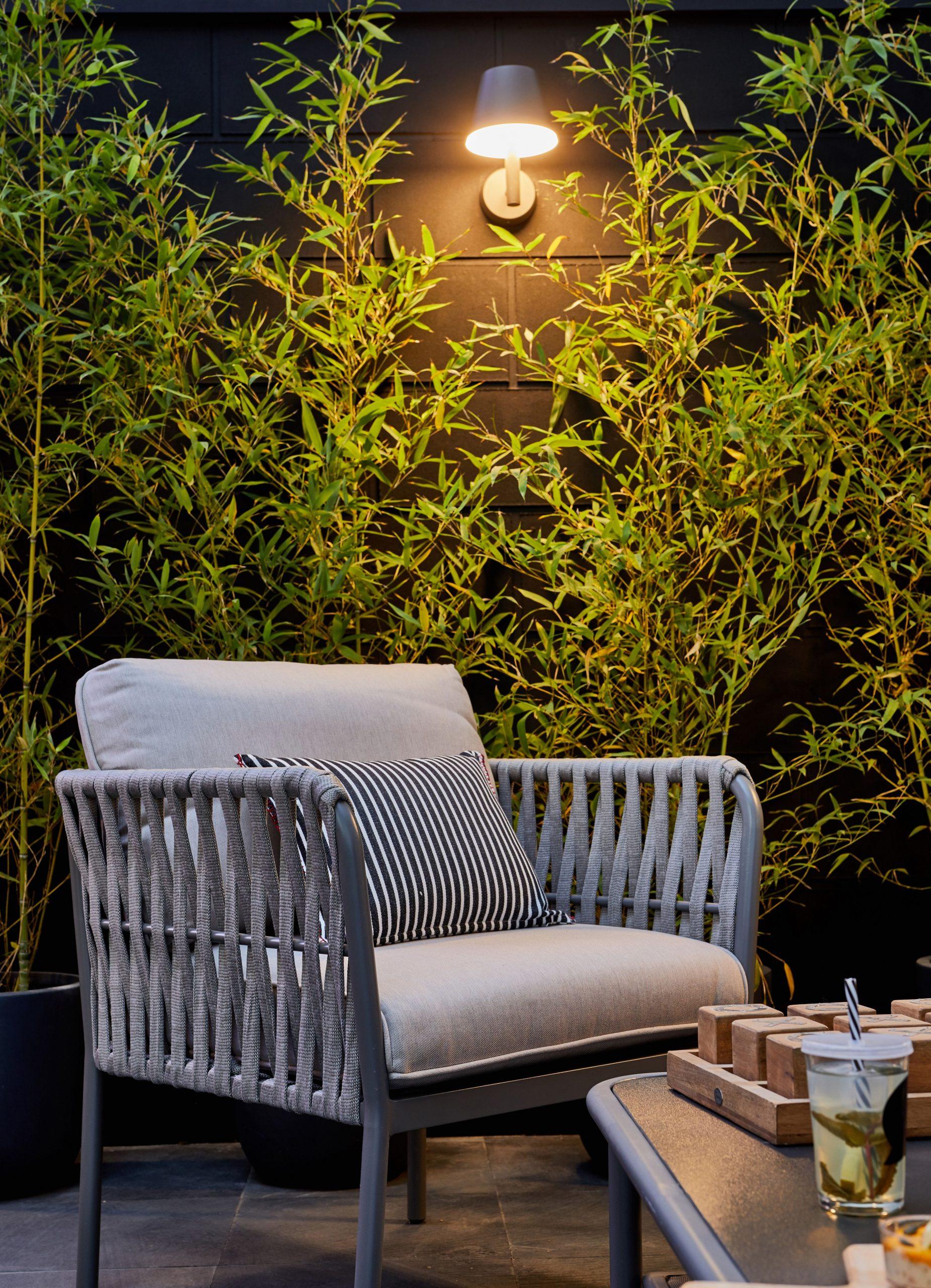 Épinglé Sur Lovelife intérieur Salon De Jardin Destockage