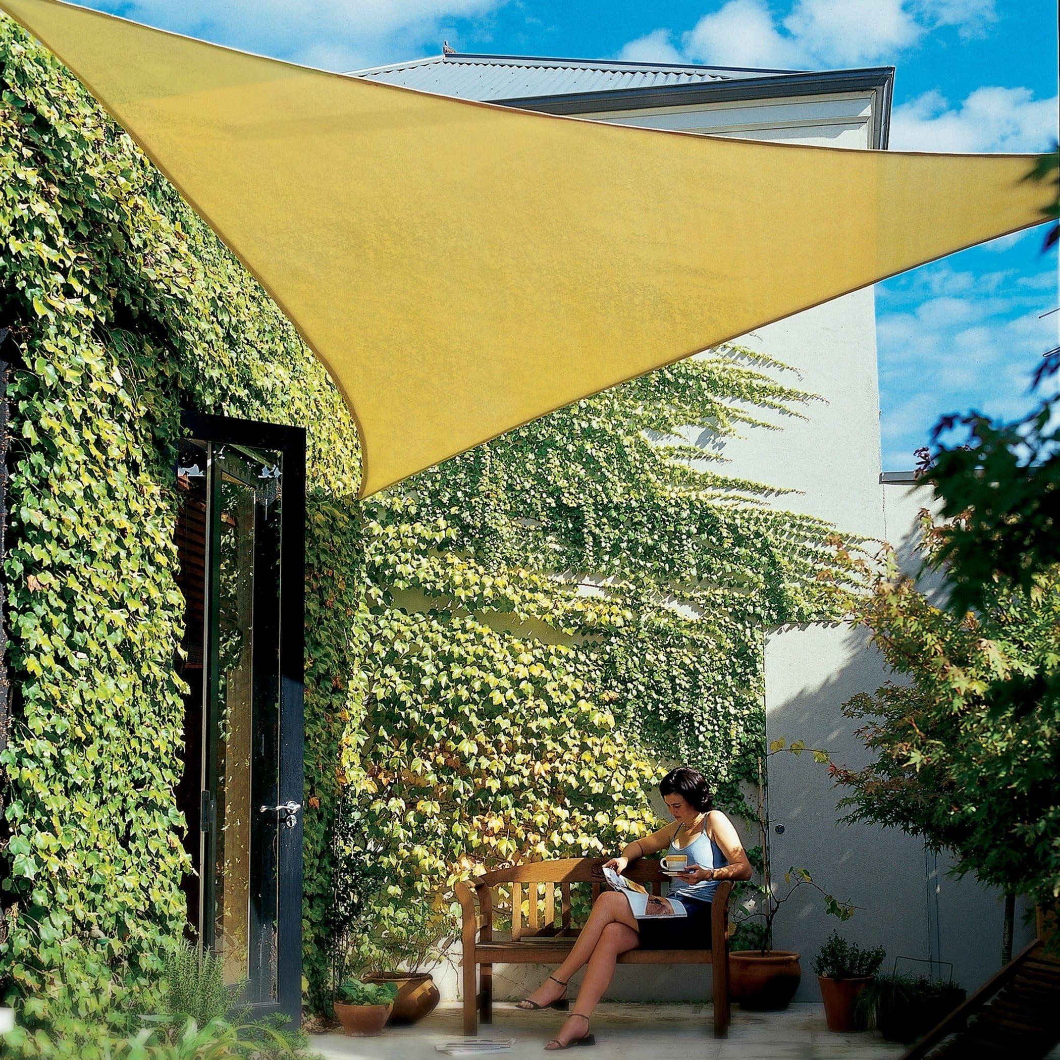 Épinglé Sur Terrasse - Toile D'ombrage tout Toile Triangle Jardin