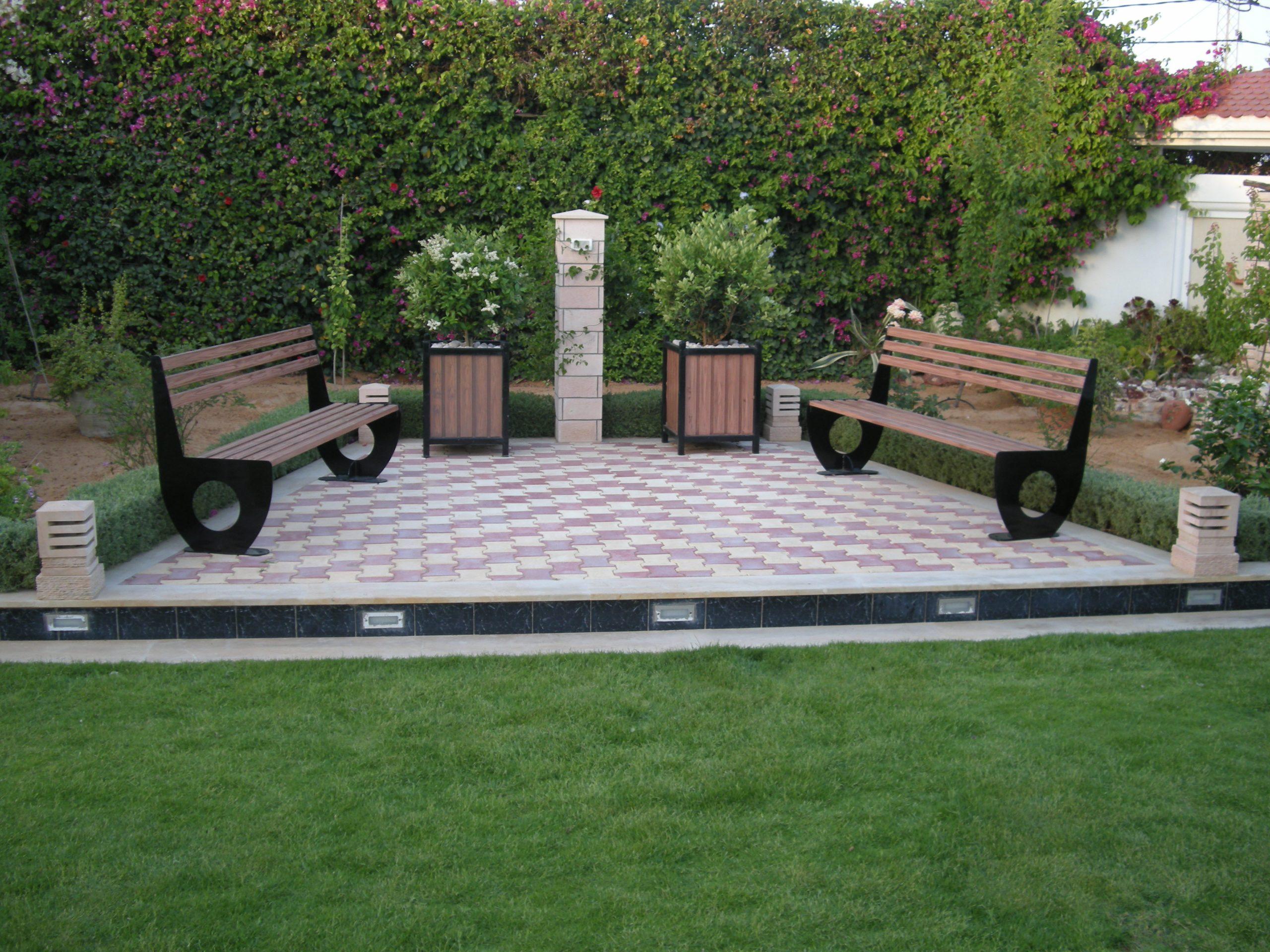 Escabeau Avec Porte Outil Tunisie, Patin Anti Vibration ... destiné Escabeau Jardin
