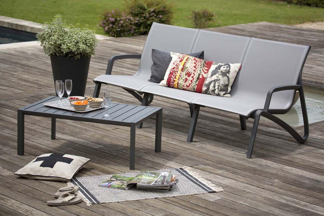Esprit Lounge Pour Ce Salon De Jardin Élégant Et Confortable ... destiné Salon De Jardin Confortable