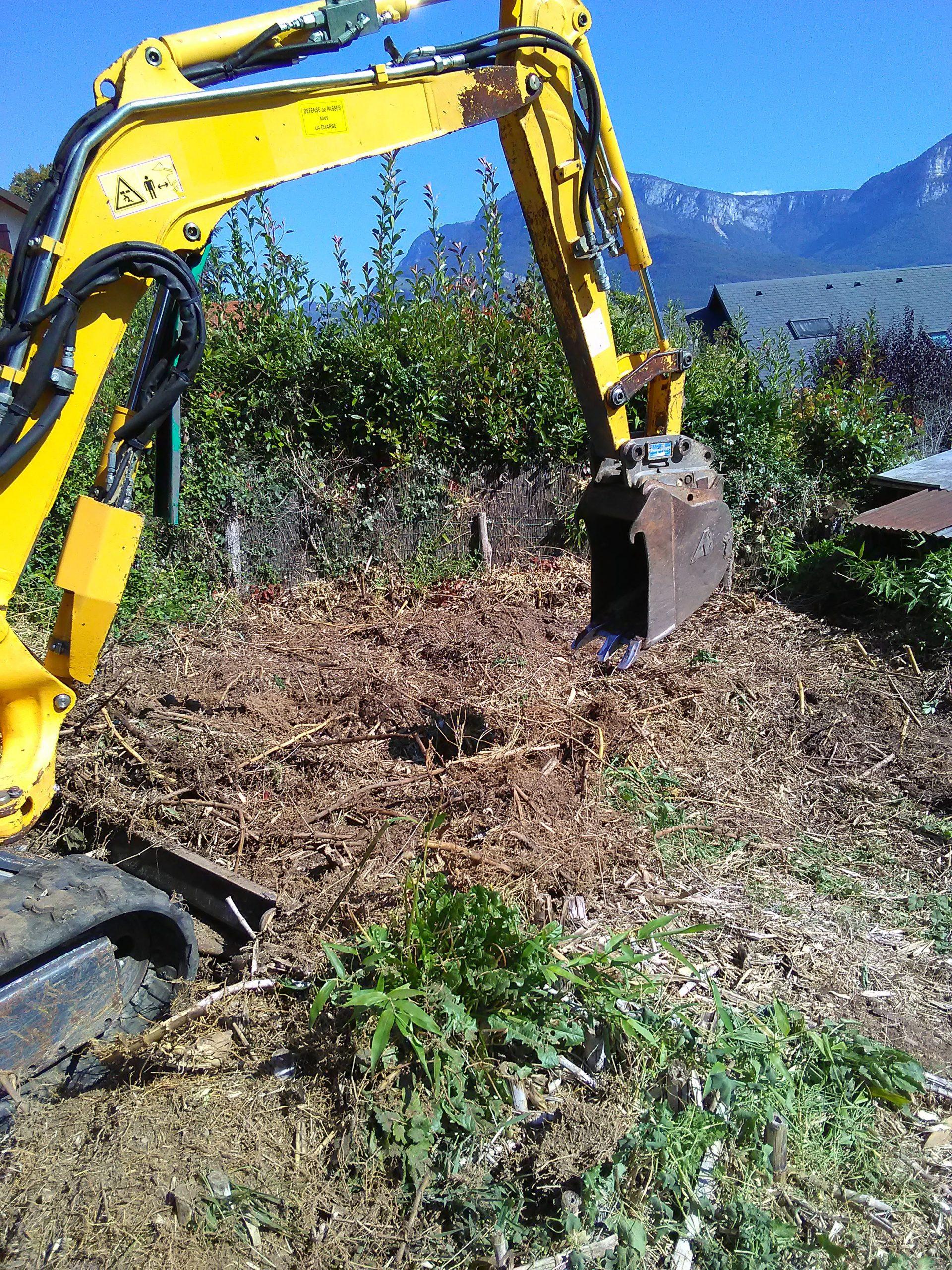 Extraction De Bambous Traçants - Wiss Paysagiste concernant Comment Eliminer Les Bambous Dans Un Jardin