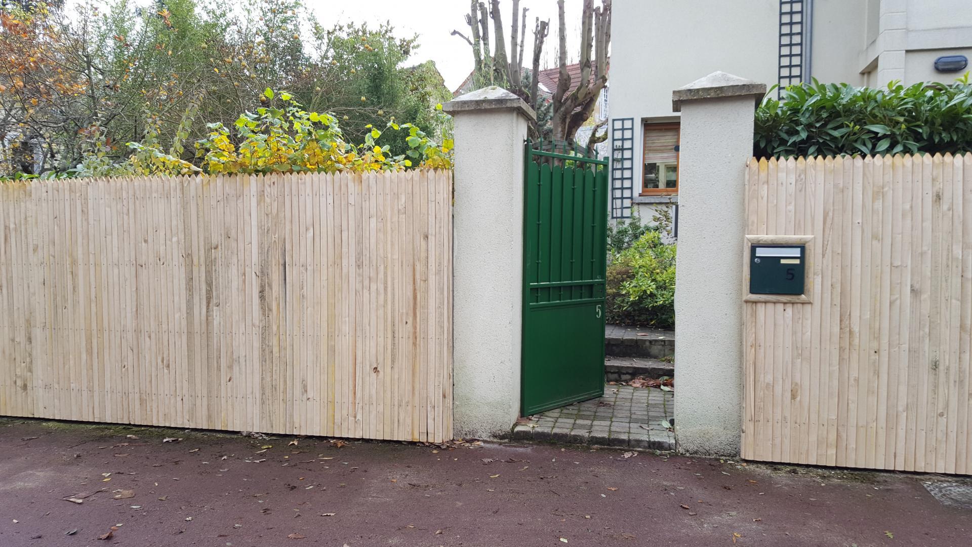 Fabricant De Clôtures En Châtaignier - Longjumeau, Tours ... destiné Cloture Jardin Chataignier