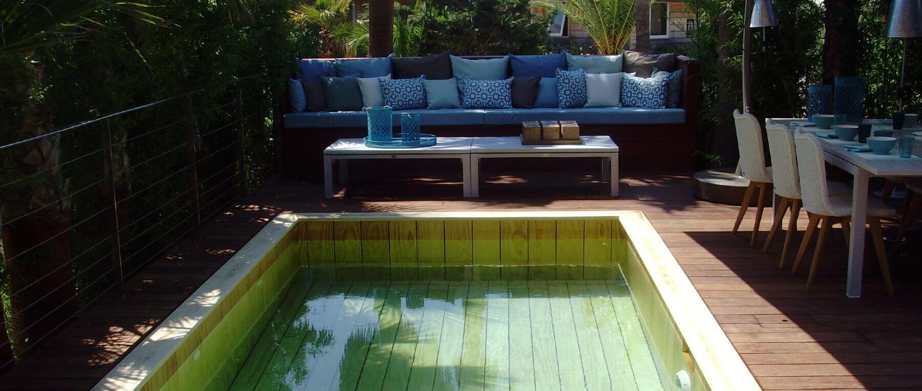 Fabricant Piscine Et Jacuzzi Spa Sur Mesure 100% Bois À ... encequiconcerne Table De Jardin En Bois Avec Banc Integre