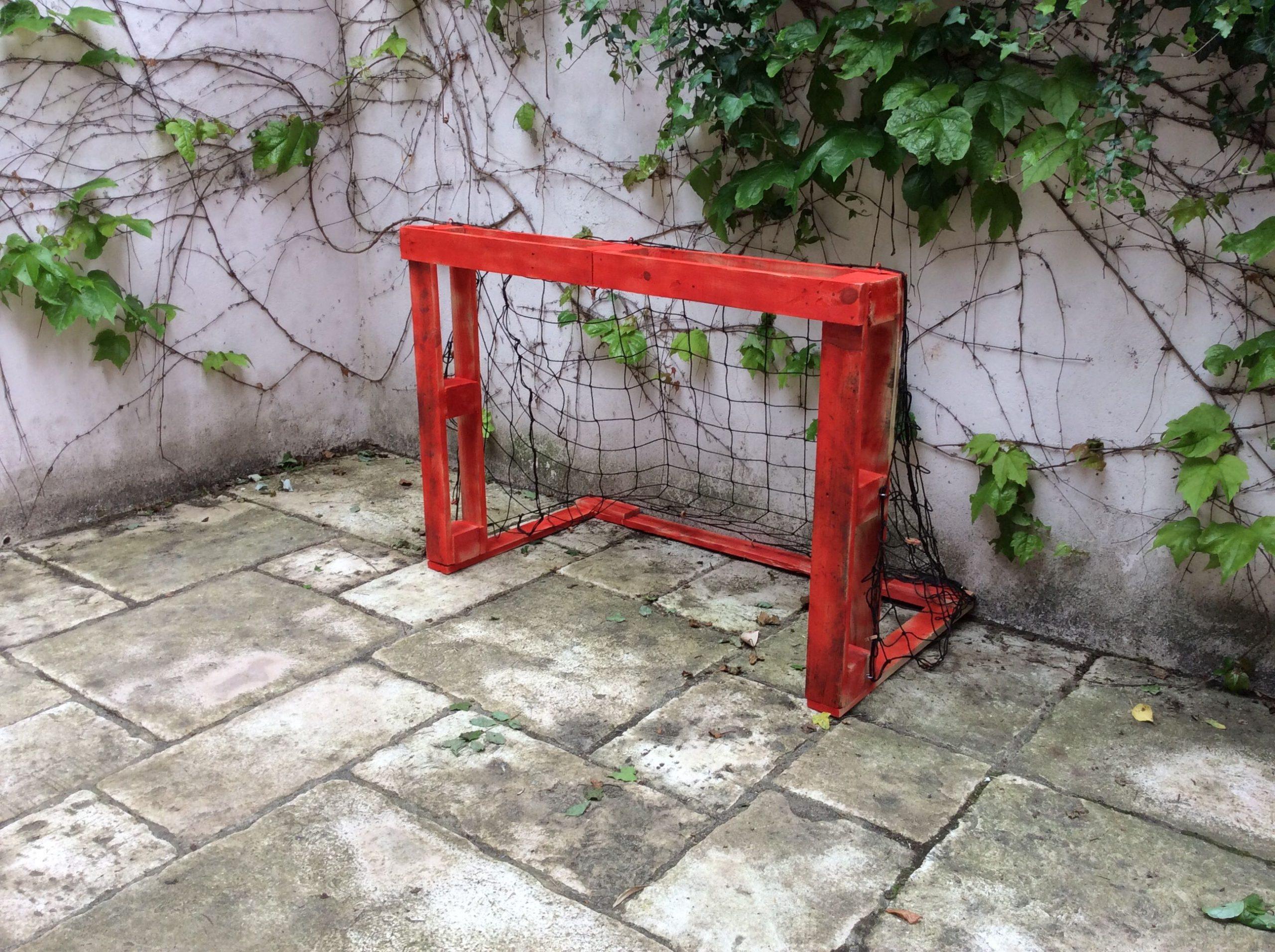 Fabrication D'un But De Foot Pour Enfant À Partir D'une ... destiné Goal De Foot Pour Jardin