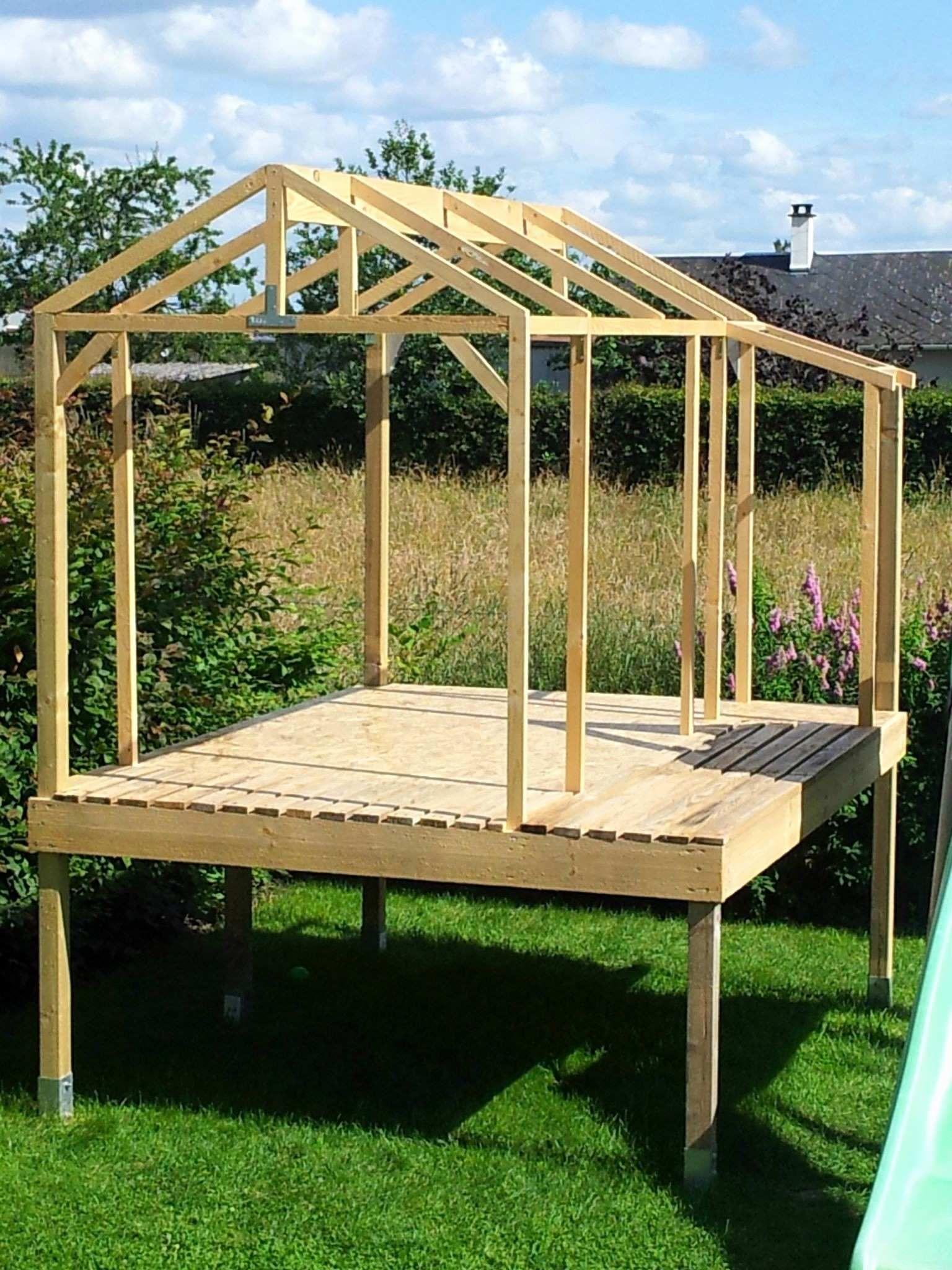 Fabriquer Abri De Jardin En Bois Construire Abri   Своими ... intérieur Fabriquer Un Abris De Jardin