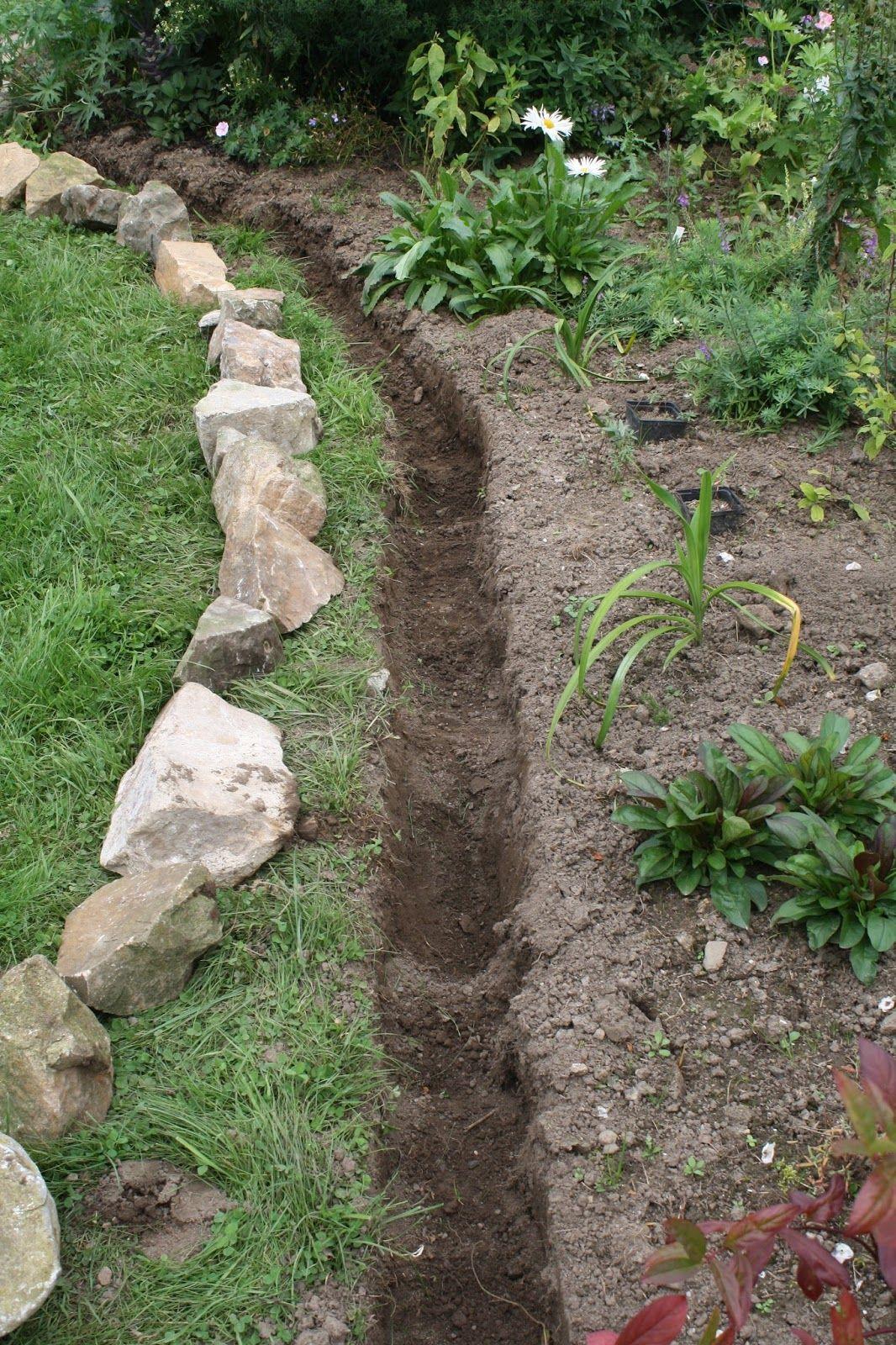 Fabriquer Bordure De Jardin Tout Fabriquer Des Bordures De ... avec Bordure Jardin Zinc