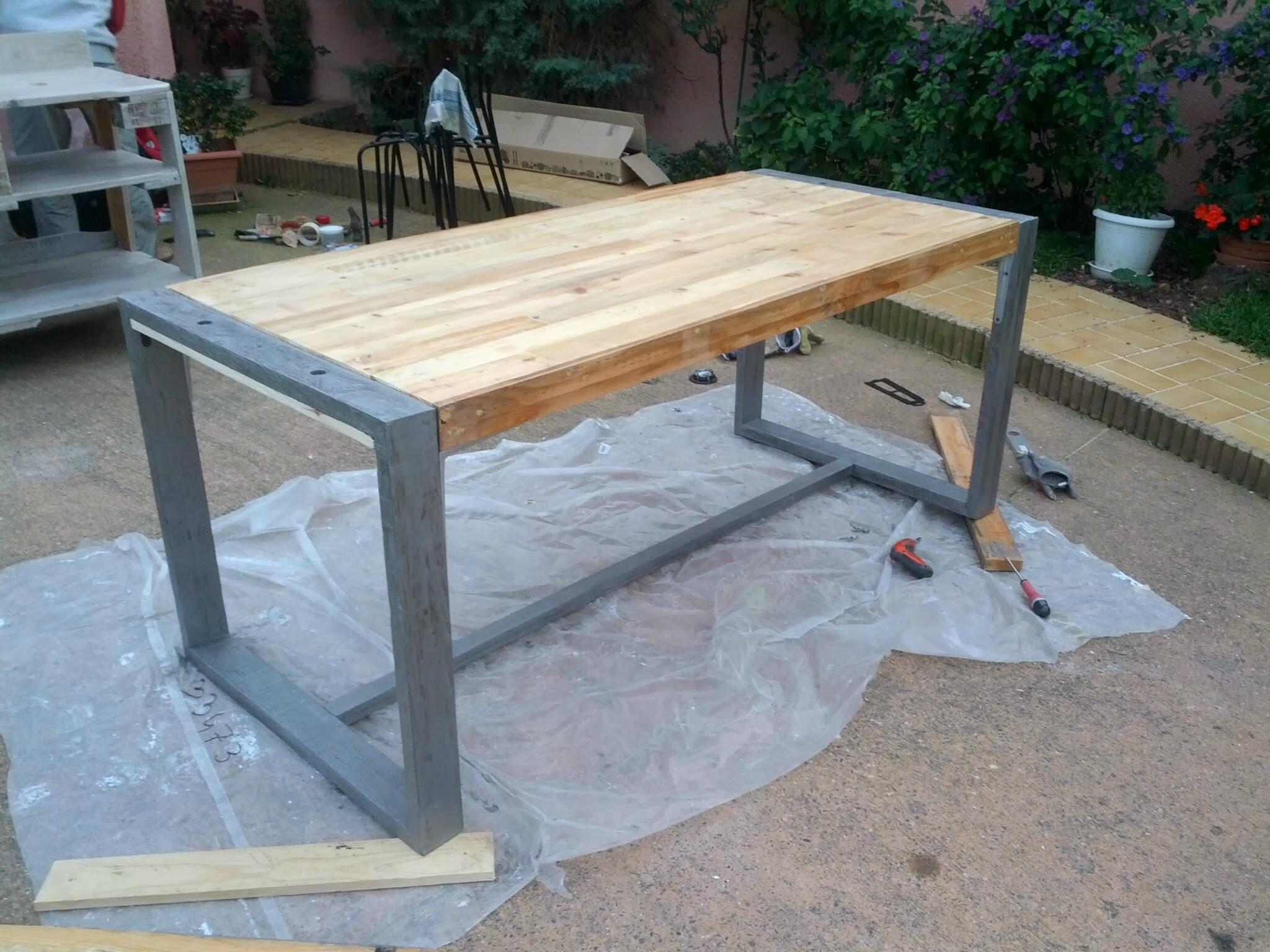 Fabriquer Table De Jardin Schème - Idees Conception Jardin destiné Table De Jardin En Bois Avec Banc Integre