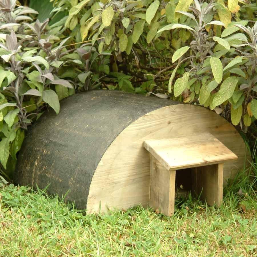 Fabriquer Une Petite Maison Pour Les Hérissons Du Jardin ... intérieur Maison Pour Herisson Jardin