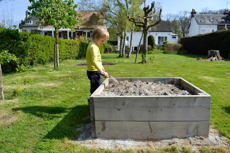 Faire Un Potager Surélevé - Maman À Tout Faire destiné Jardin En Carre