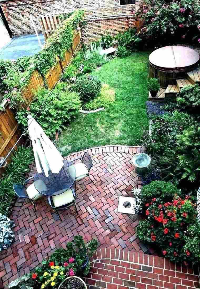 Faire Une Bordure De Jardin - Quel Matériau Choisir Pour Son ... avec Faire Ses Bordures De Jardin