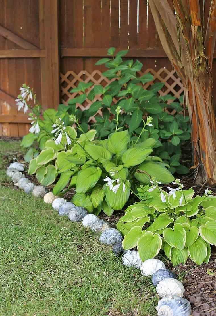 Faire Une Bordure De Jardin - Quel Matériau Choisir Pour Son ... concernant Idee De Plantation Pour Jardin