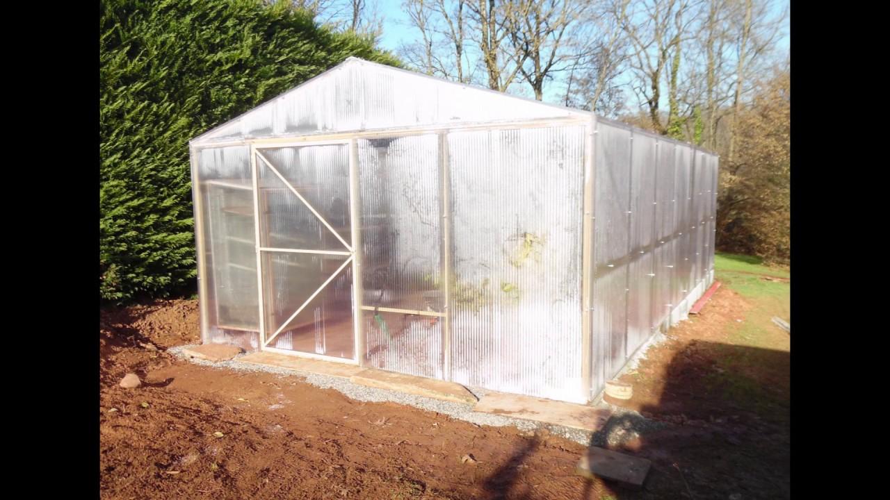 Faire Une Serre En Polycarbonate intérieur Construction D Une Serre De Jardin En Bois