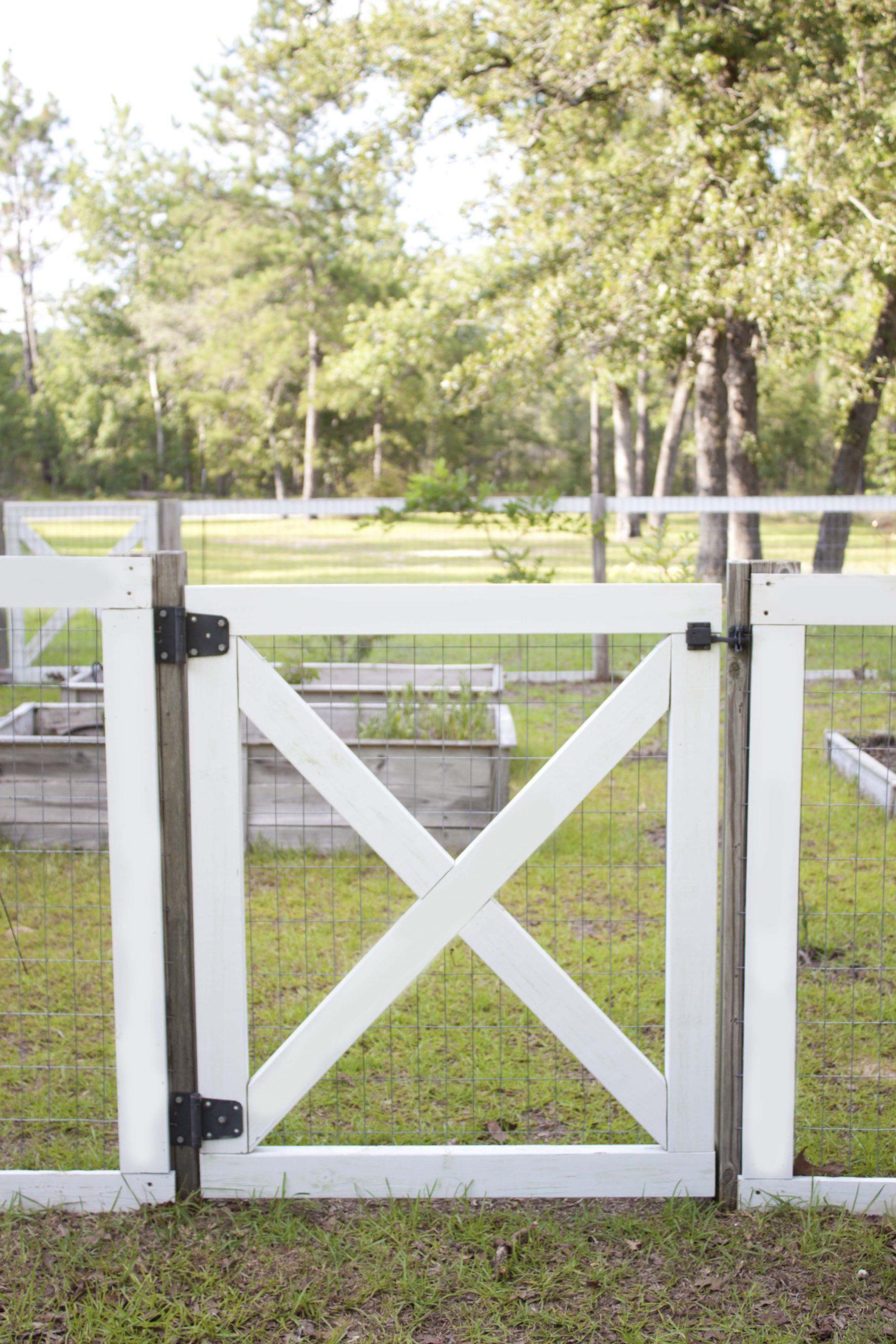 Farmhouse Style Diy Garden Fence   Cloture Jardin ... encequiconcerne Barriere Jardin Pour Chien