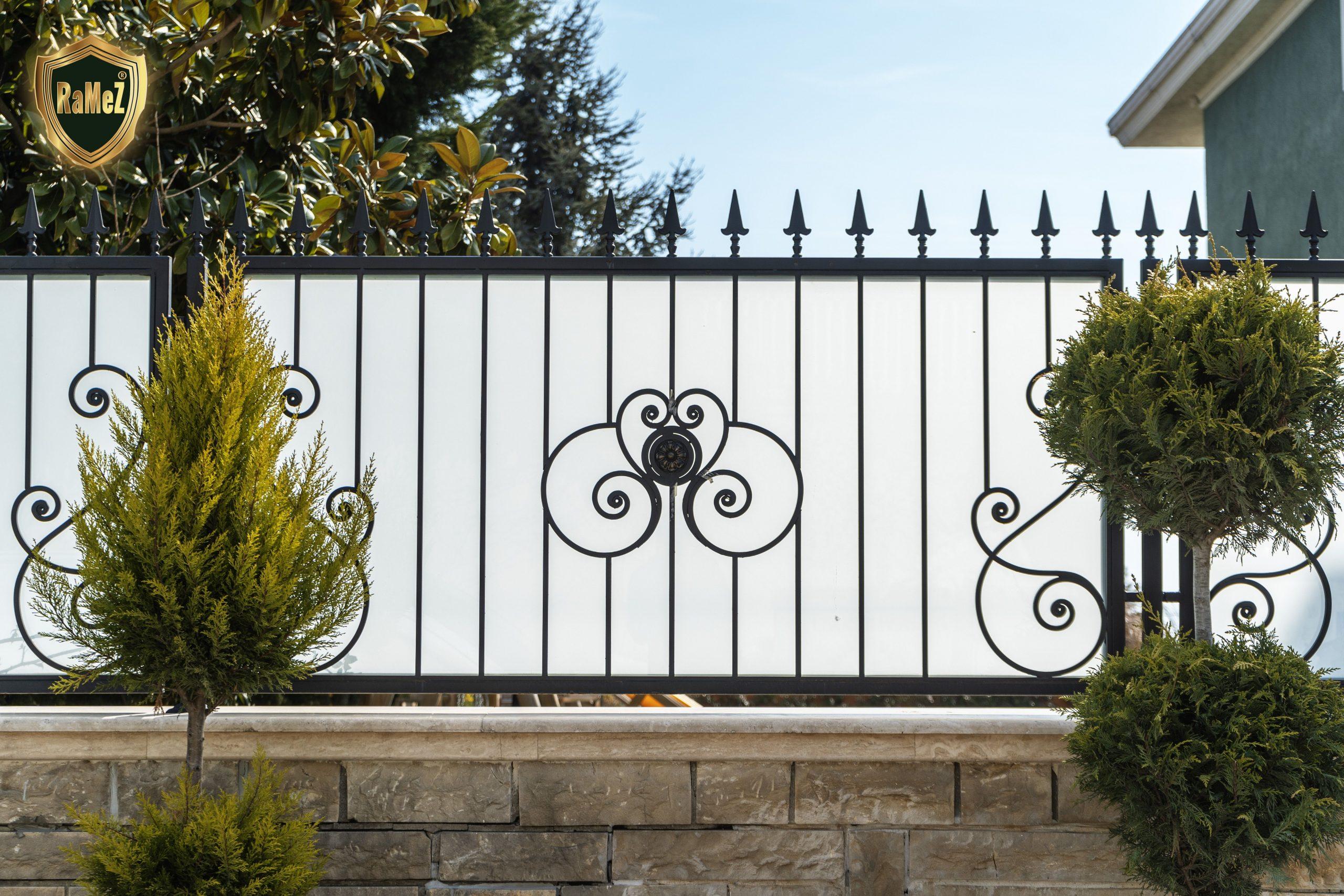 Ferforje Modellerimiz Wrought Iron Garden Gates, Ferforje ... avec Balustrade De Jardin